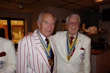 Bättre nu. Biggles fick sin välförtjänta medalj.